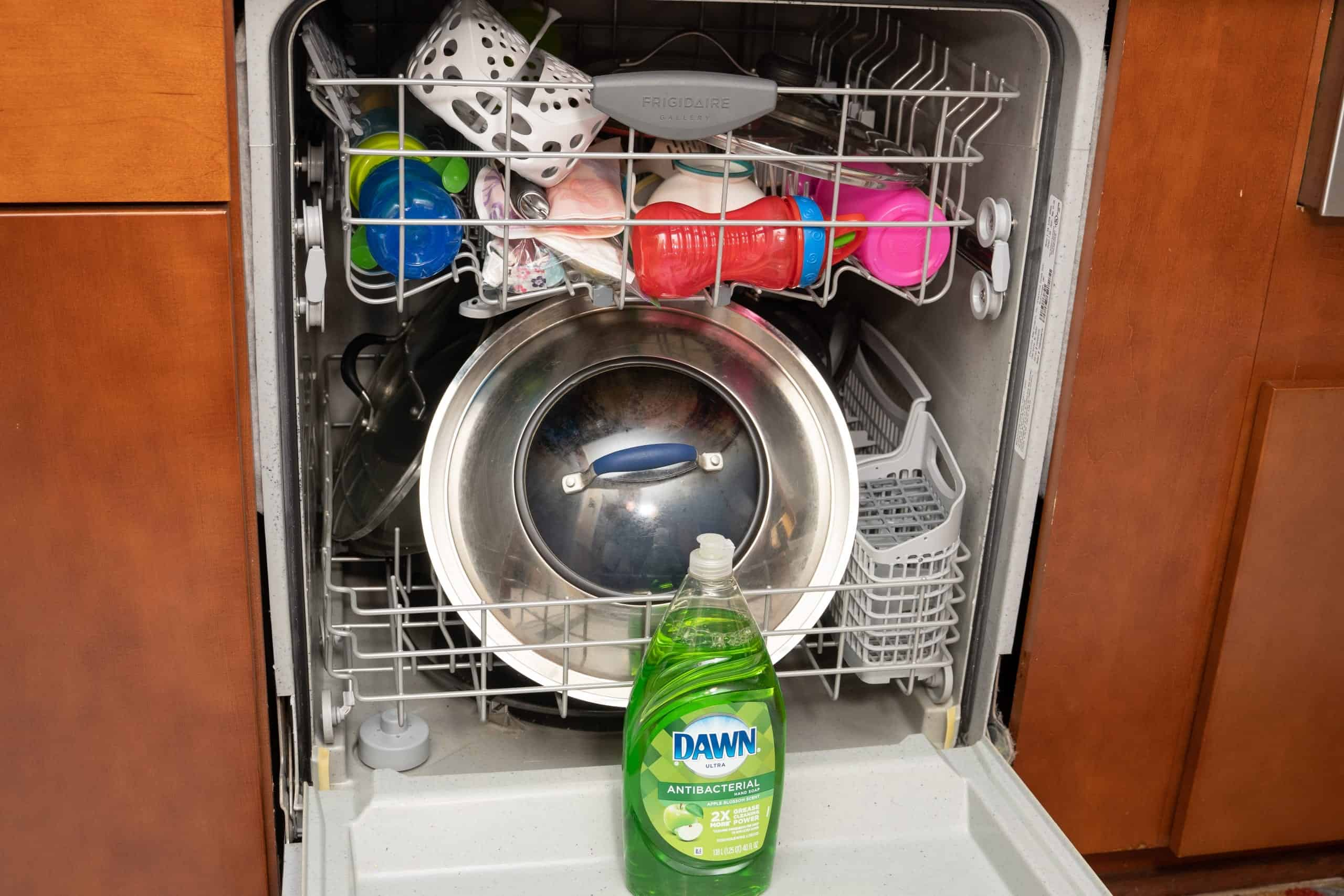 Cleaning And Remove Grease & Limescale From Your dish Washer