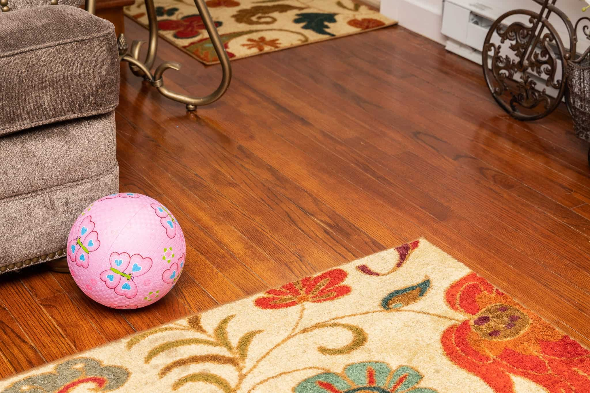 How To Clean And Make Your Hardwood Floor Look Glossy For Days